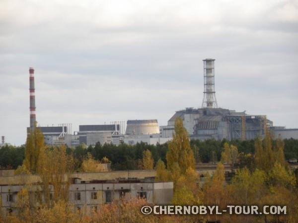 Вид на атомную станцию с гостиницы Полесье